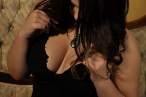 Ouided outcall escort in Riverview