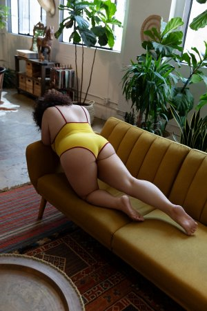 Luena escort girl in Utica New York