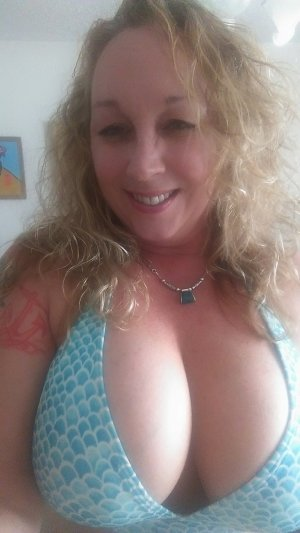 Lidiana casual sex in Kingstowne VA and call girl